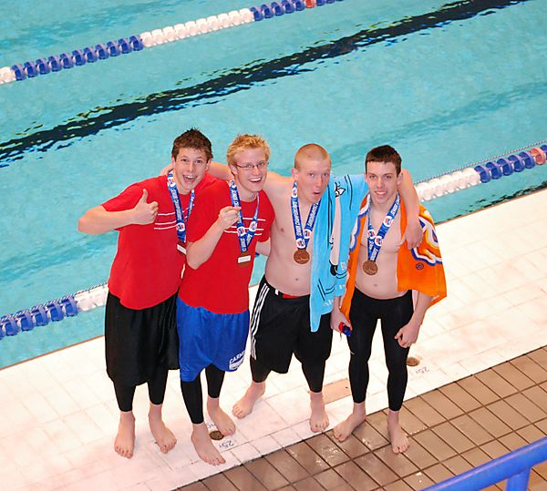 Senior State Swimming July 2008 090