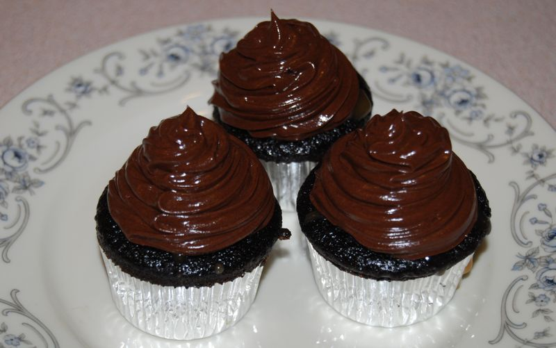 MSC Chocolate Caramel Cupcakes 050