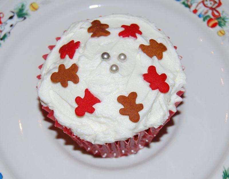 MSC gingerbread cupcakes 020