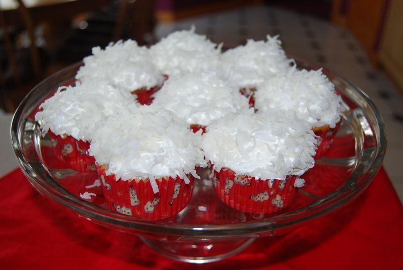 MSC Coconut Cupcakes 007