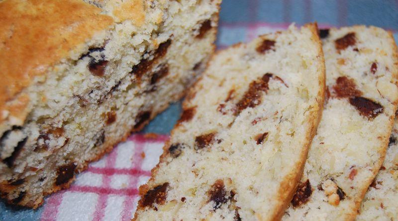 MB Fig Fennel Almond Bread & Mellow Baker Hot Cross Buns 011