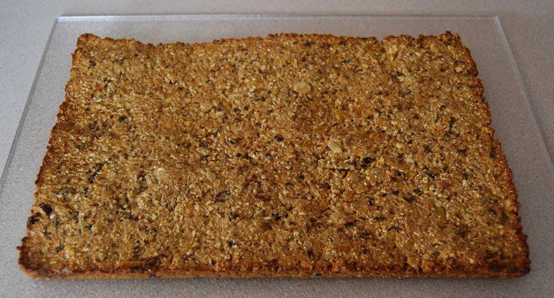 Giada crackers, twd muffins, ellie bars 023