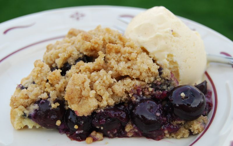 Modern Baker Blueberry Pie 028