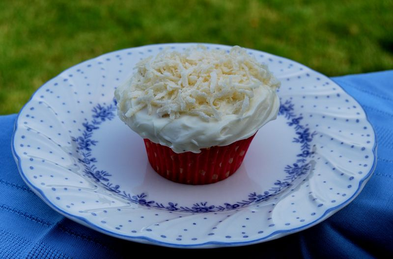 Coconut Cupcakes Ina 014