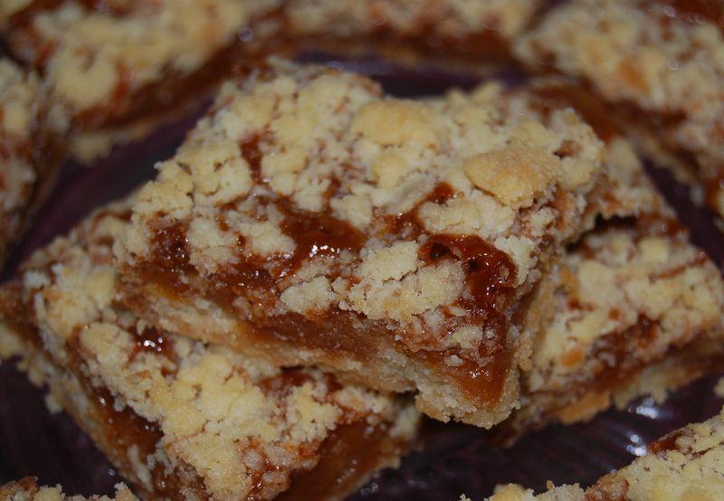 MB Caramel Crumb Bars and Hazan Pasta 027
