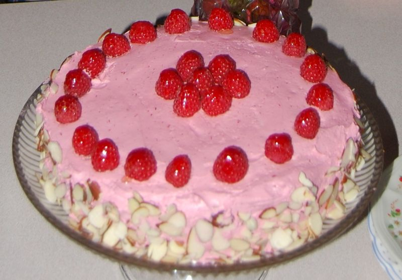 Raspberry Cake MB