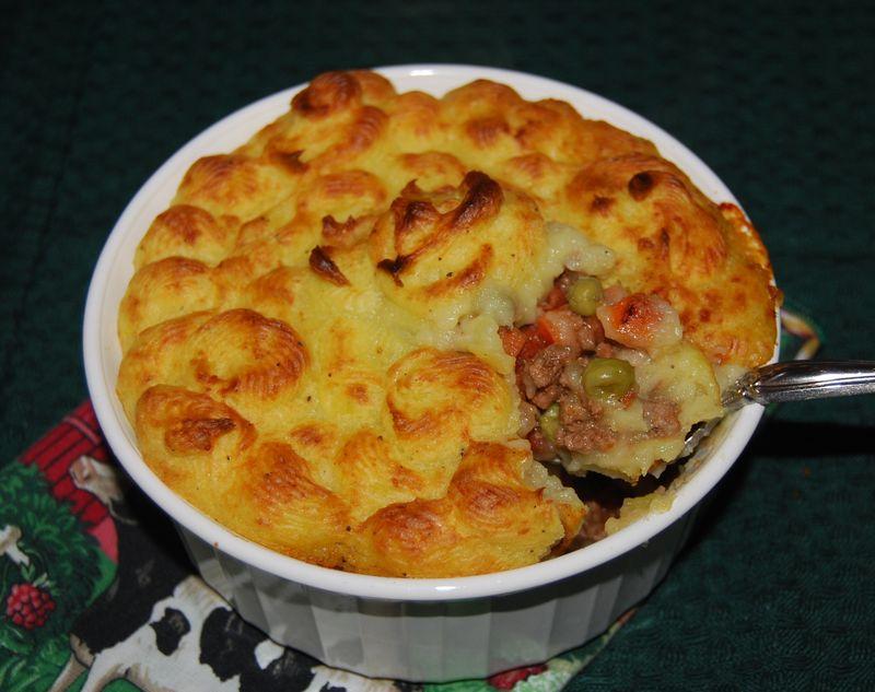 Donna Hay meat pie 009