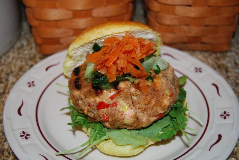 EwE salmon burger 009