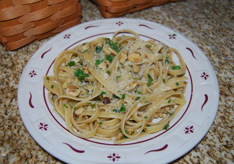 EwE pasta w walnuts, zick zack blue 002